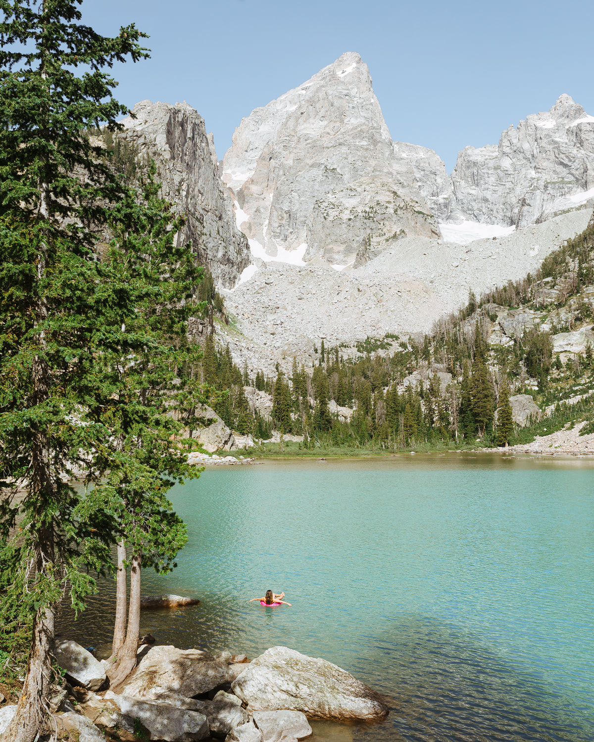 ROCKY MOUNTAIN ROAD TRIP: CANOEING, HIKING, GRIZZLY BEARS & ALPINE LAKE DIPS
