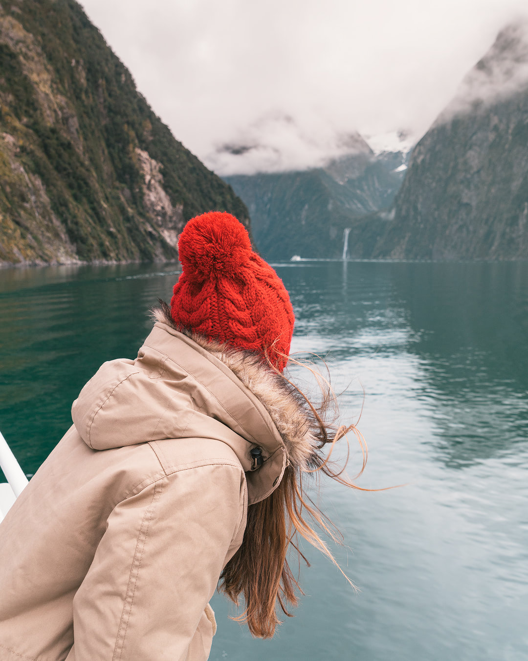 12 MUST SEE PLACES ON THE SOUTH ISLAND OF NEW ZEALAND - MILFORD SOUND