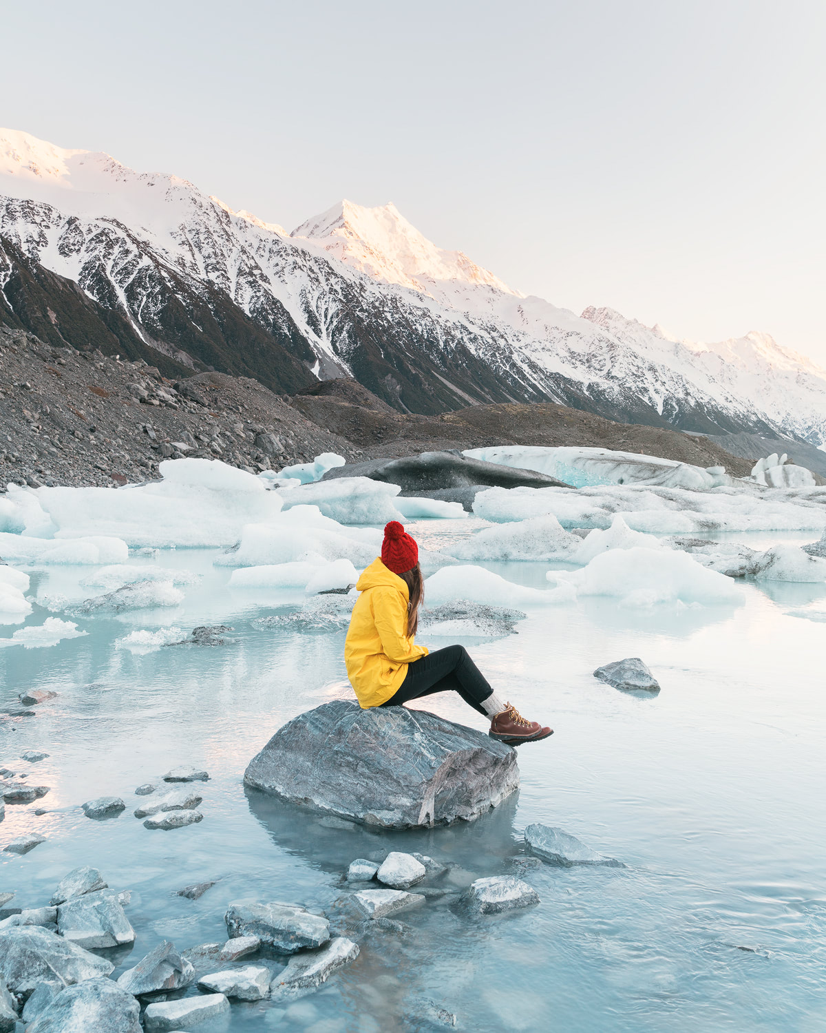 12 MUST SEE PLACES ON THE SOUTH ISLAND OF NEW ZEALAND - TASMAN GLACIER MT COOK