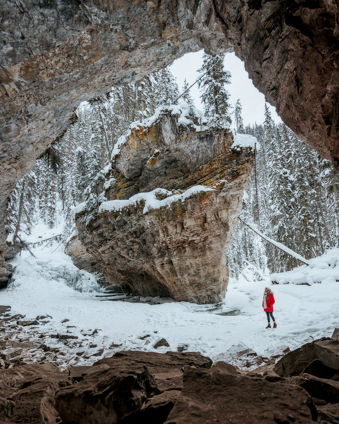 ULTIMATE WINTER TRAVEL GUIDE TO ALBERTA CANADA – 7 DAY ITINERARY - Renee Roaming