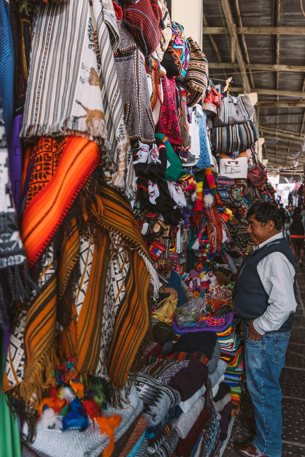 Best-Things-To-Do-In-And-Around-Cusco-Peru-Artisan-Market02