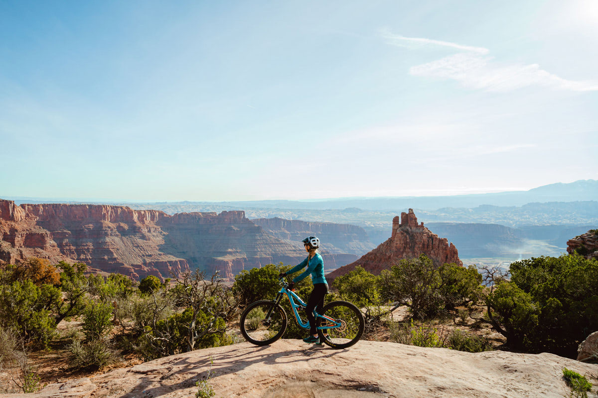 Experiencing Desert Climbing and Biking for the First Time Moab Rock Climbing with Backcountry Dead Horse Point Biking 3