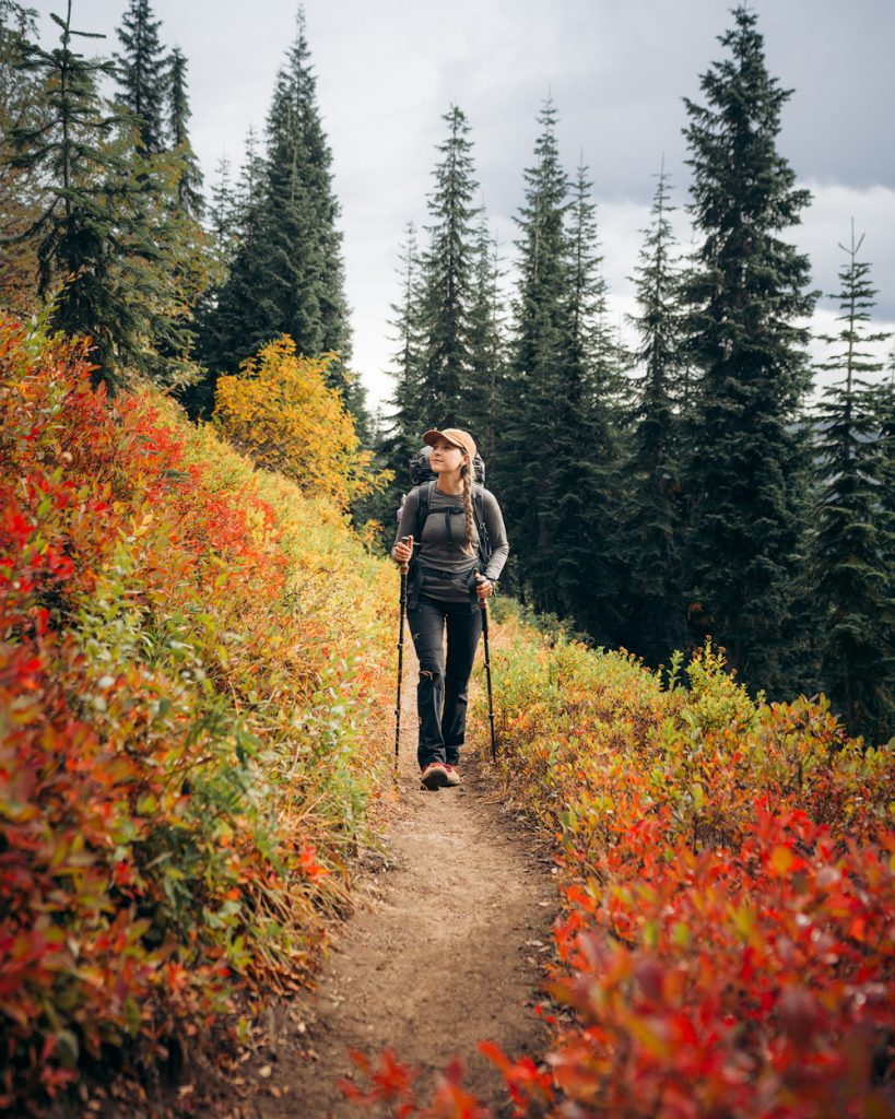 Best outdoor things to do during fall in Washington State - Backpacking in the mountains