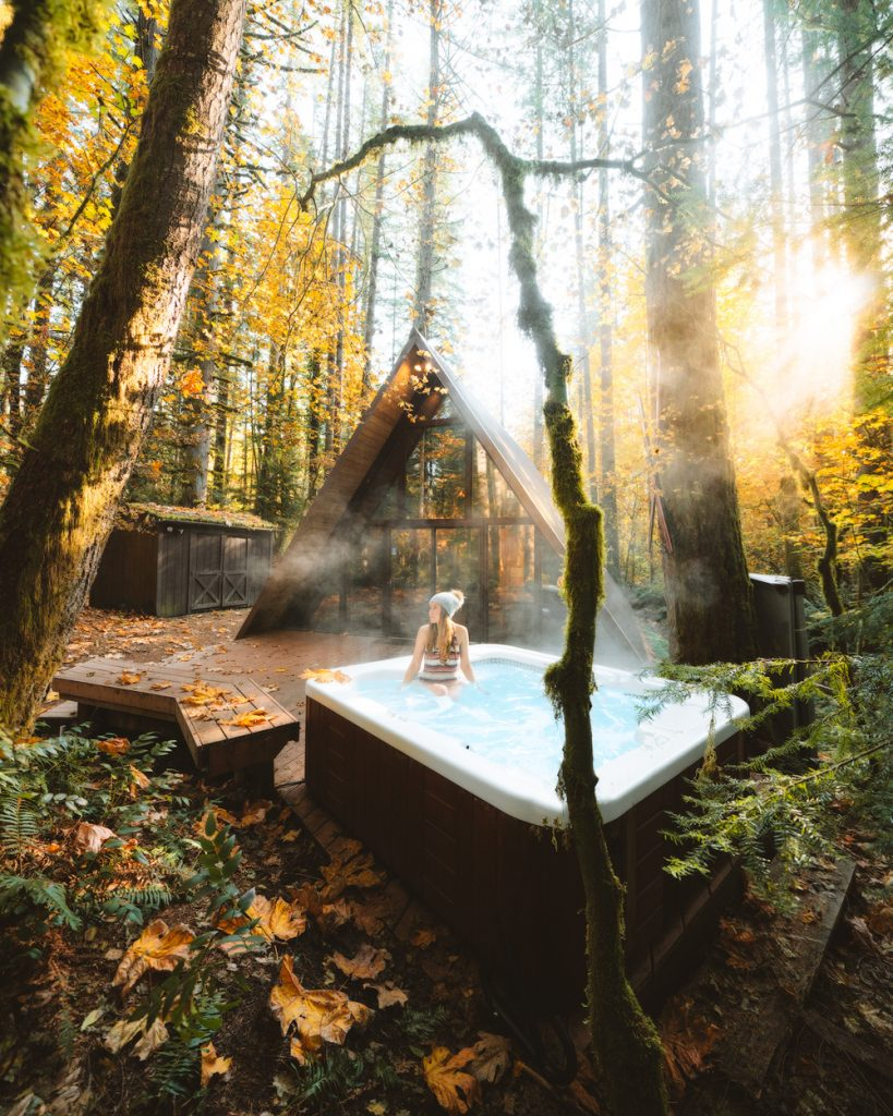 Best outdoor things to do during fall in Washington State - Washingotn A Frame Cabin