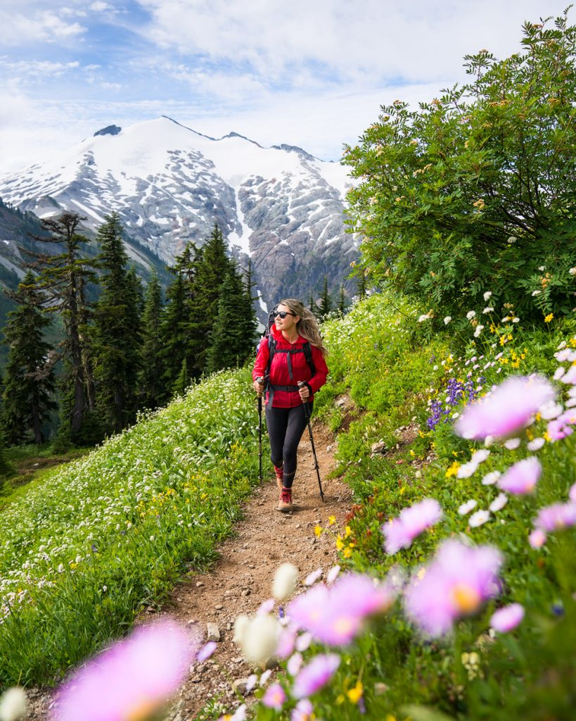 First Time Solo Backpacking as a Woman - Backpacking Tips for Women - Hiking Alone - Renee Roaming 2