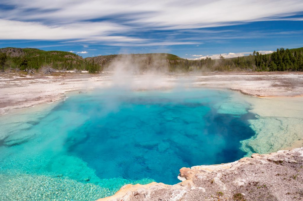 Ultimate Yellowstone National Park Guide and Itinerary- Biscuit Basin