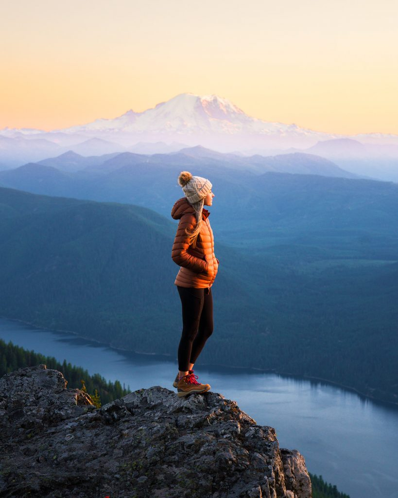 What to wear hiking as a woman - best down jacket for women