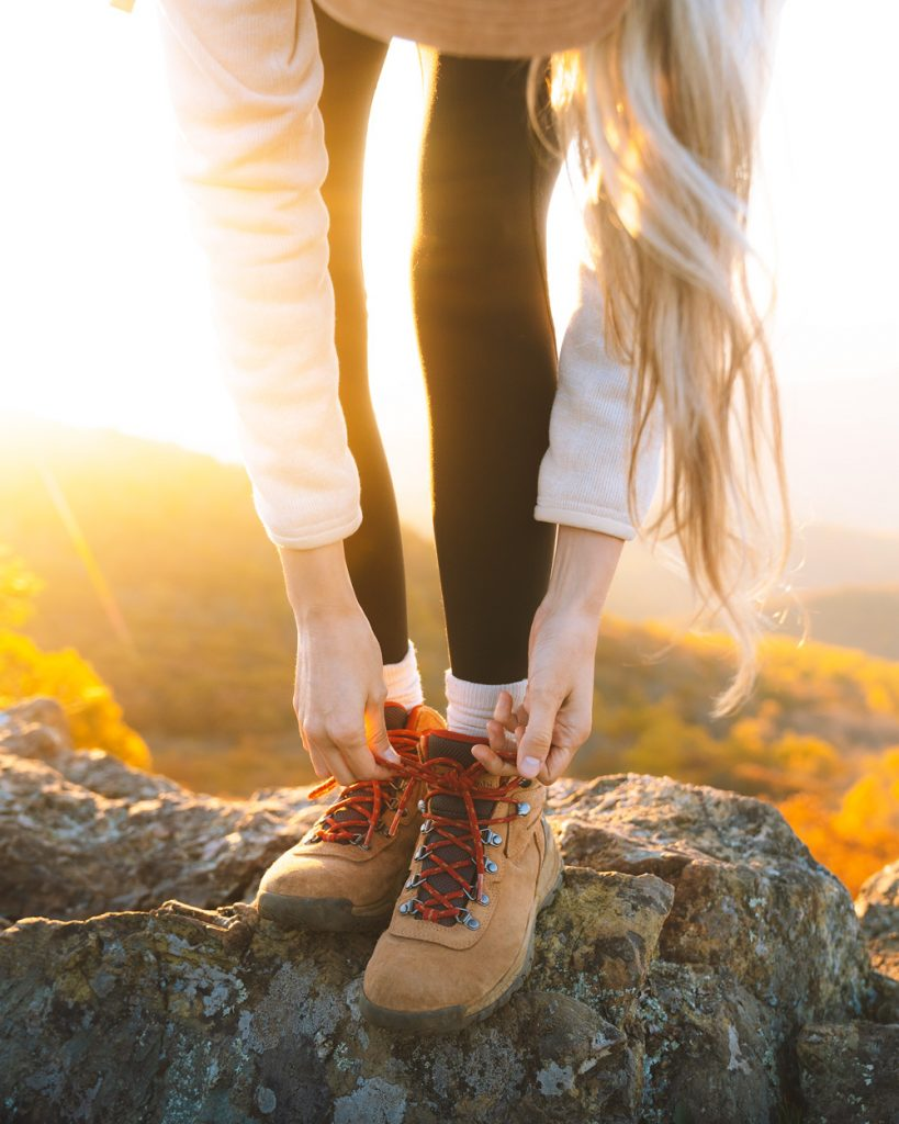 What to wear hiking as a woman - best hiking boots for women