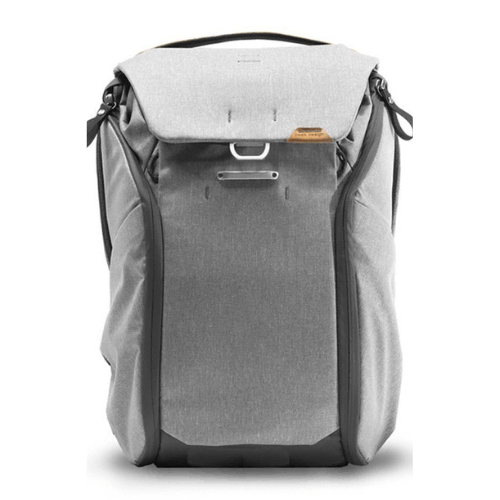 Best gifts for Travel Lovers 2020 - Peak Design Everyday Backpack