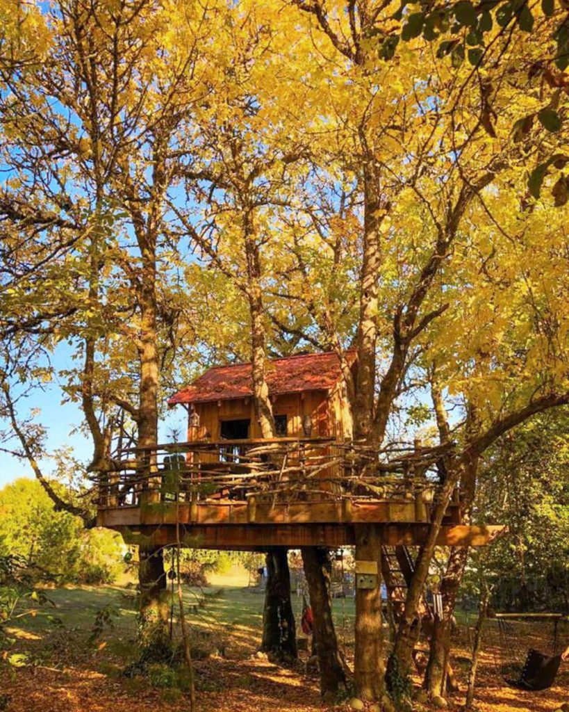 20 Magical Oregon Treehouses You Can Rent in Fall - The Treehouse Retreat