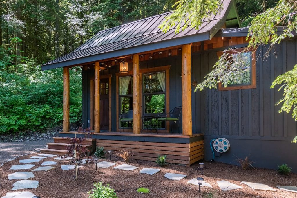 24 Dreamy Oregon Cabins You Can Rent - Little House On The Mountain