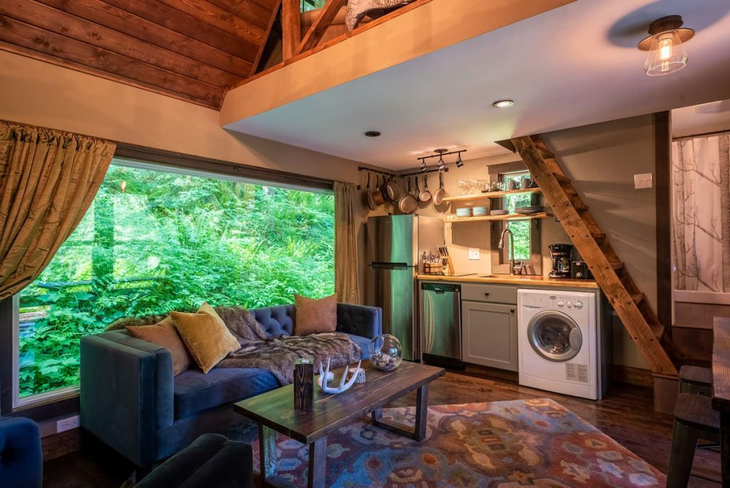 24 Dreamy Oregon Cabins You Can Rent - Little House On The Mountain Living Room