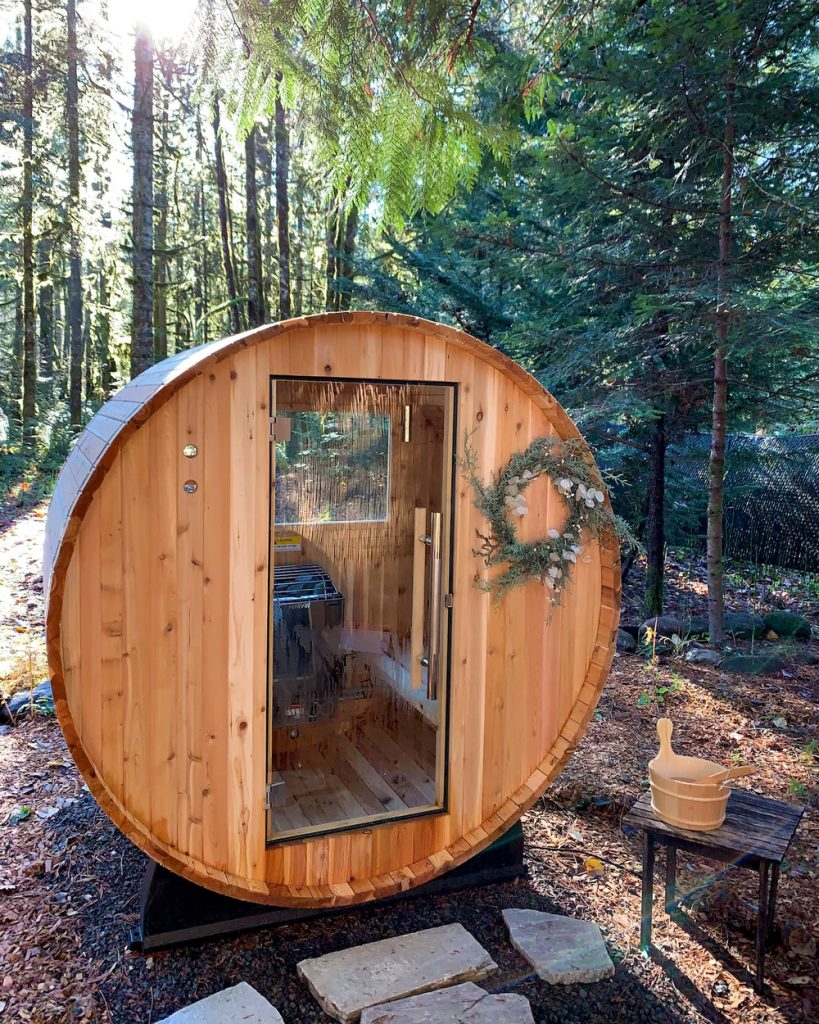 24 Dreamy Oregon Cabins You Can Rent - The Hide and Seek Cabin Sauna