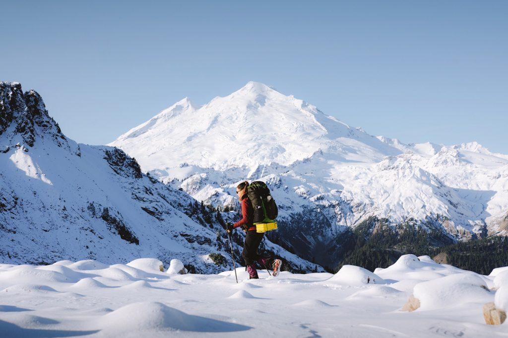 Beginner Snowshoeing Tips - Snowshoeing to Artist Point