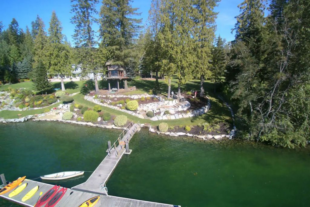 Best Pacific Northwest Treehouse Rental - Treehouse on Lake Pend O'reille