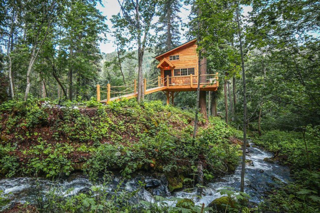 Best Pacific Northwest Treehouse Rentals - Hansel Creek Treehouse