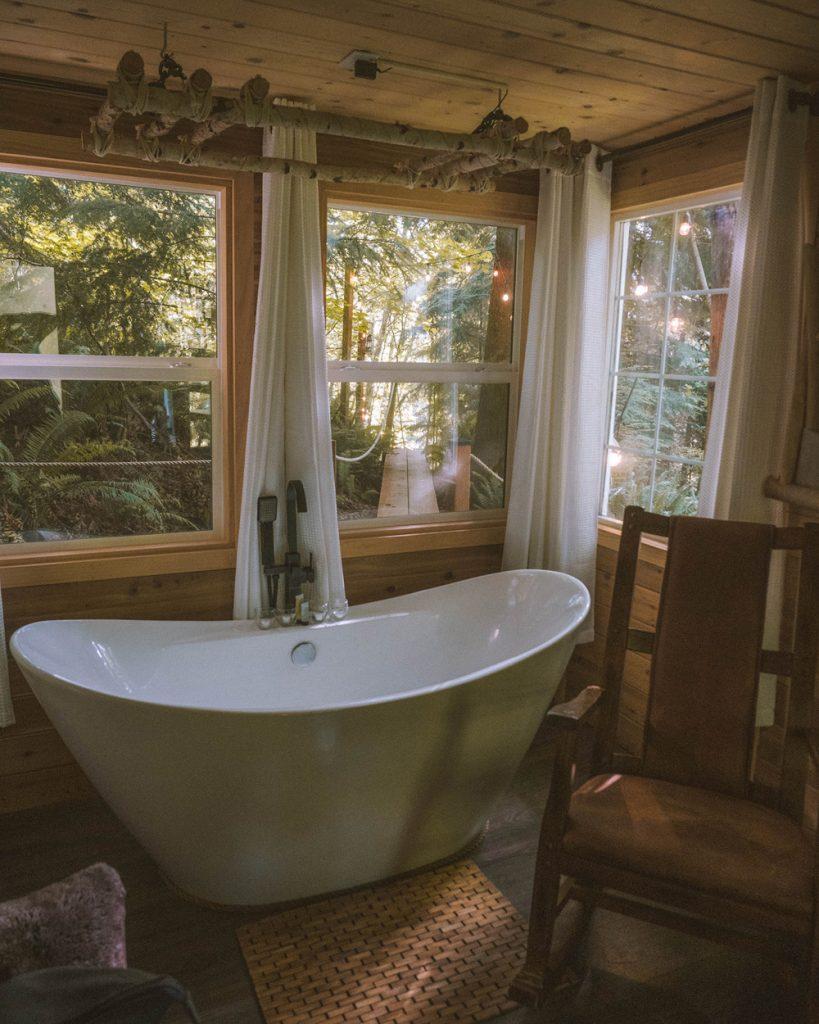 Best Pacific Northwest Treehouses To Rent - Treehouse Place at Deer Ridge Bathroom - Renee Roaming