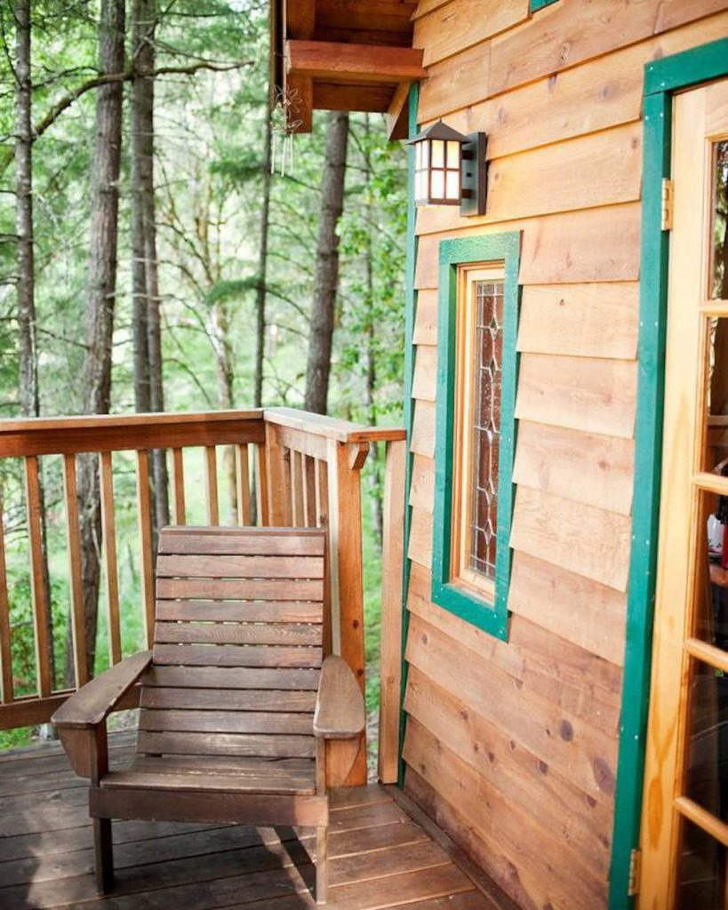 Dreamy Treehouses To Rent In The Pacific Northwest - Cozy Cottage Oregon Treehouse