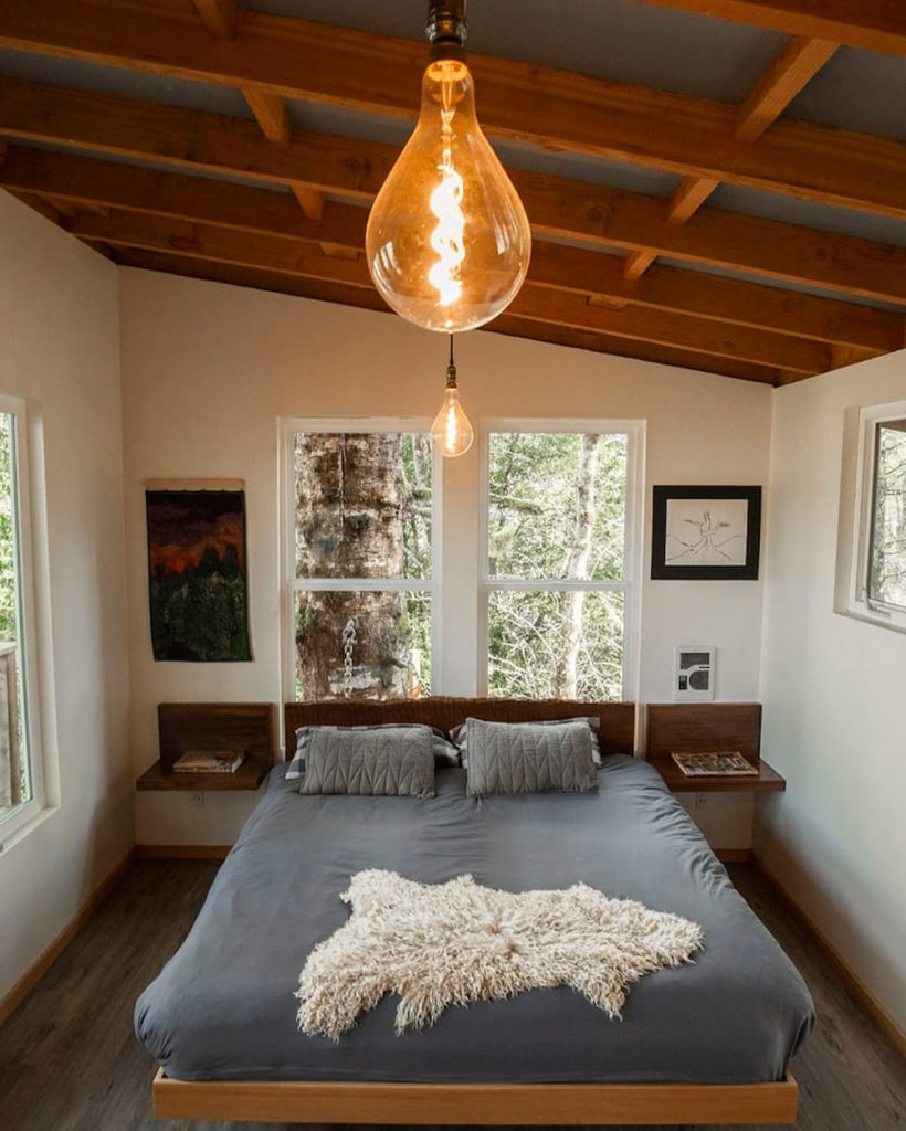 Magical Pacific Northwest Treehouses You Can Rent - Heartland Cozy Oregon Coast Treehouse
