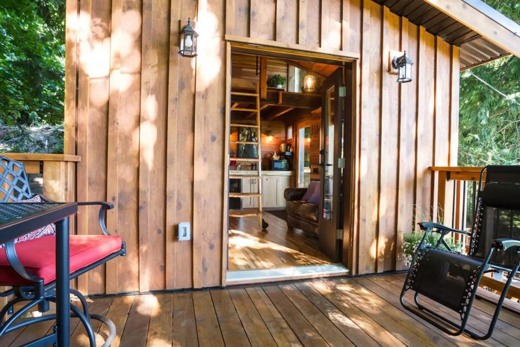Treehouse to rent in the Pacific Northwest - Owls Perch Treehouse British Columbia