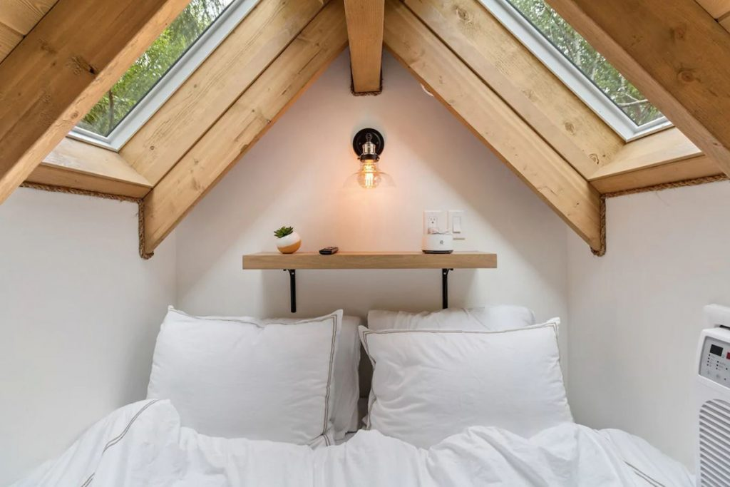 Treehouse to rent in the Pacific Northwest - The Birdhouse British Columbia