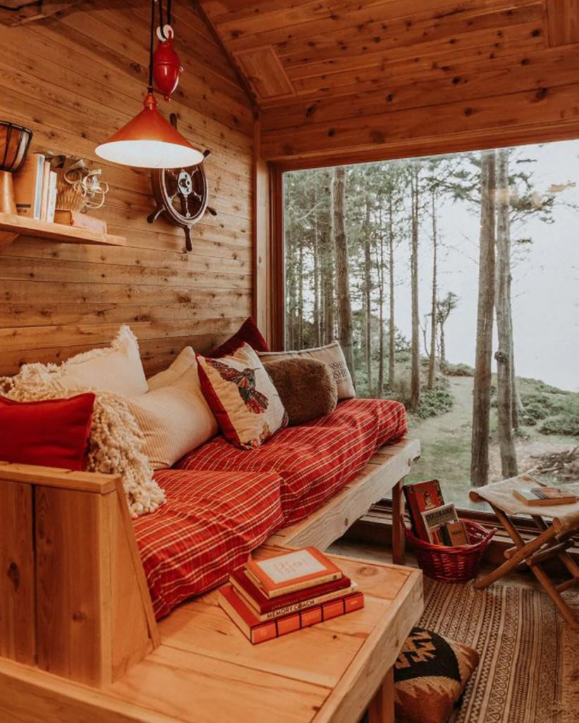 Treehouse you can rent in the Pacific Northwest - Eagles Nest Treehouse Olympic Peninsula