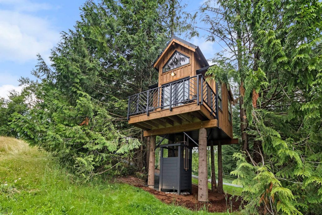 Treehouses to rent in the Pacific Northwest - The Birdhouse British Columbia