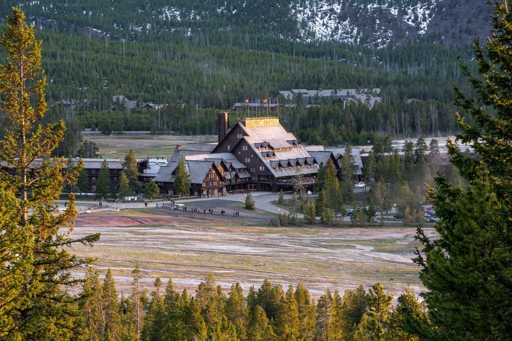 Ultimate Yellowstone To Grand Teton Road Trip Itinerary - Old Faithful Inn